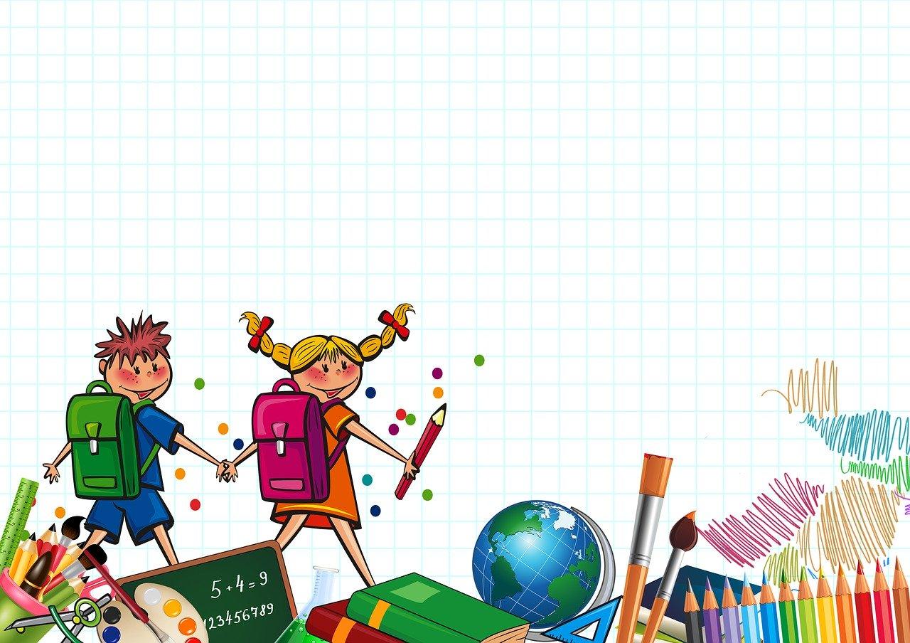 Chłopczyk i dziewczynka idą z plecakami trzymając się za ręce. Poniżej książki i przybory szkolne.